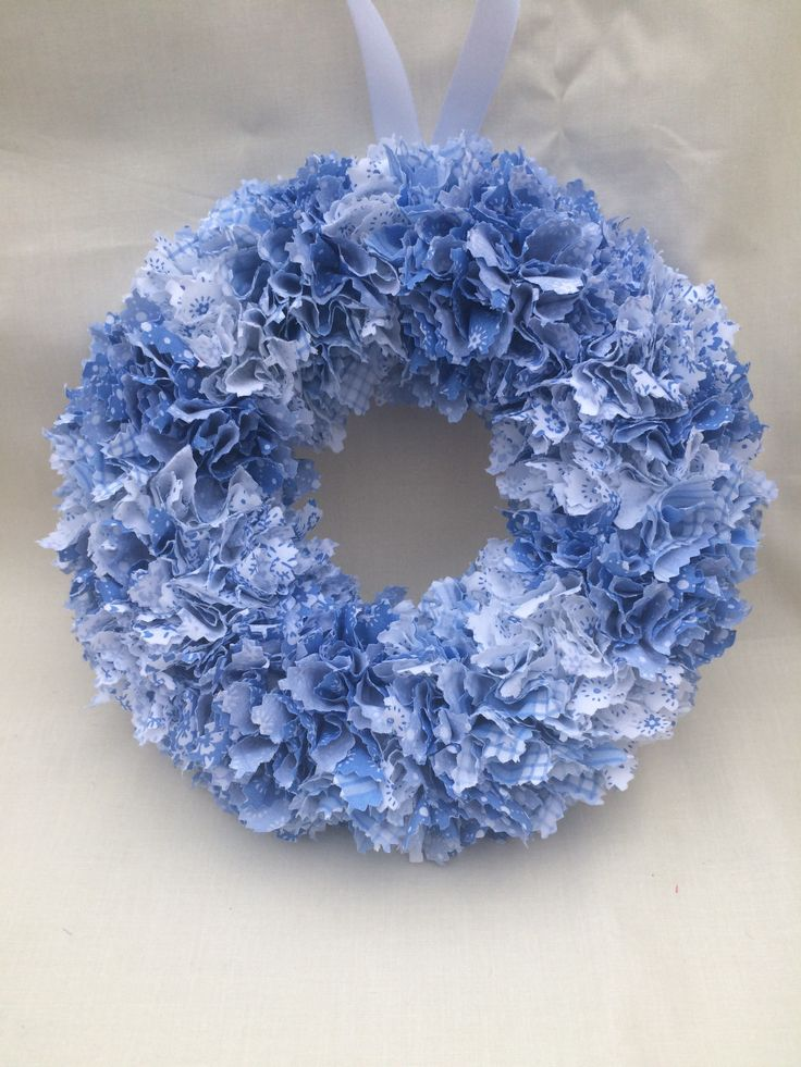 24cm blue and white fabric wreath