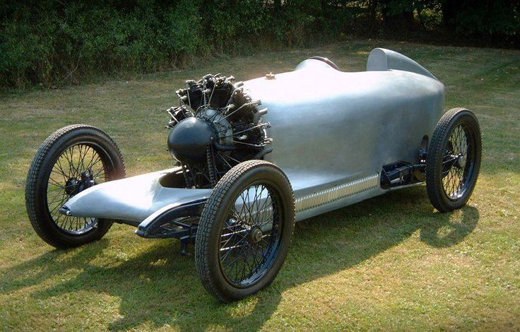 OK... I really luv the engine on this cycle-car style build. Its a Salmson VAL 3 w/ 9 cyclinder radial aircraft engine