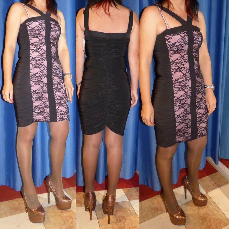 Mini abito arricciato con pizzo davanti  Abito cocktail aderente arricciato    Davanti è in pizzo    Colori: nero/lilla    Taglia unica s/m    Made in UK  https://www.lorcastyle.it