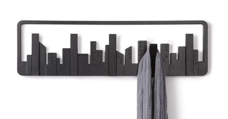 Wieszak ścienny przypominający panoramę wielkiego miasta. #nowoczesnywieszak #wieszak
