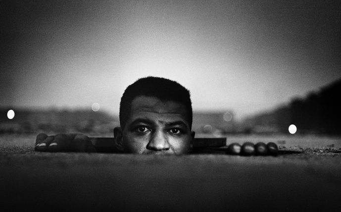 Гордон Паркс. Появление человека, Гарлем, Нью-Йорк, 1952. © The Gordon Parks Foundation