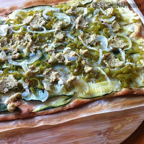 torta de verduras con paté de aceitunas #masa de #piza #aceite #aceitunas #acompañante #almuerzo #aperitivo #calabacín #cebolla #cena #comida #compartir #facil #horno #masa #oliva #oregano #paté #pimiento #receta #vegetariano #vegetal vegetable cake with tapenade #olive #oil #pizza #dough #appetizer #courgette #accompanying #onion #oven #dinner #easy #food #mass #sharing #oregano #olive #pate #recipe #vegetarian #pepper #plant
