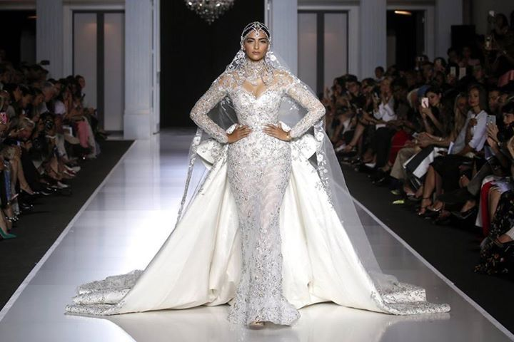 Bollywood actress #SonamKapoor closed the Haute Couture Week presentation as the finale bride look for Ralph & Russo