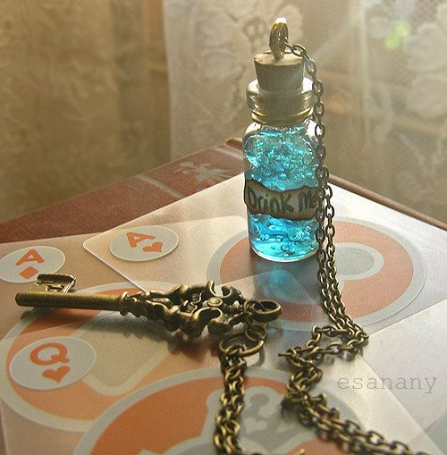 Steampunk Alice au pays des merveilles collier: