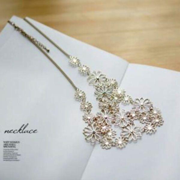 Naszyjnik Romantic Camellia Flowers 01