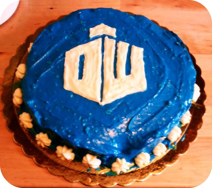 Dr Who lemon cheesecake with lemon frosting, custom made for a Whovian. www.ibakeyourpardon.com
