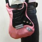 Créer un sac à main original en forme de guitare
