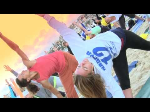 Gumtree Australia hosts a community yoga session at Bondi Beach. Gumtree hosts community for Gumtree users to get together.