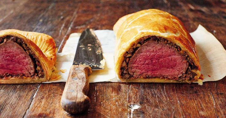 Beef Wellington from Jamie Oliver's Comfort Food cookbook. A delicious festive recipes, great for entertaining friends and family.