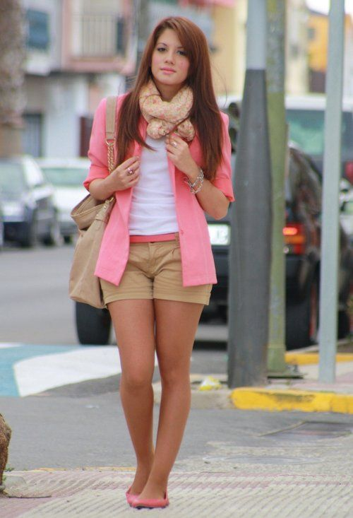 Pink coralLight Pink Blazers, Colors Combos, Fashion, Style, Clothing, Colors Combinations, Outfit En Shorts, Outfit Primavera, Pink Blazers
