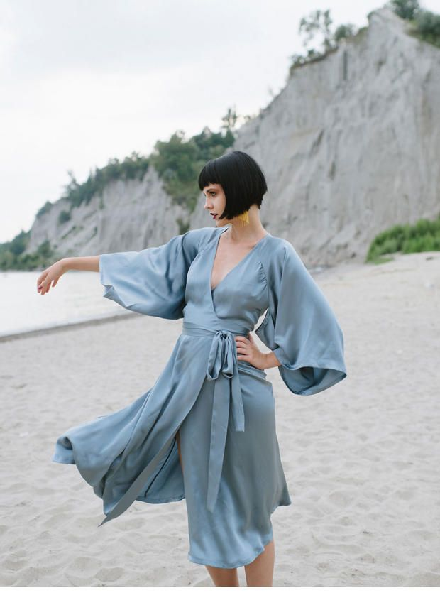 Are you looking for a classic kimono sewing pattern? Check out the Victory Patterns Trina wrap dress. Dressmaking pattern reviews here.