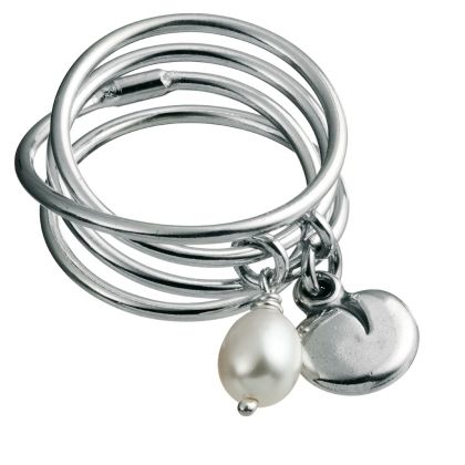 Kalevala Koru / Kalevala Jewelry / Vanamo-sormus / TWINFLOWER RING Designer: Kirsti Doukas Material: silver, white sweet water pearl also available with pink sweet water pearl