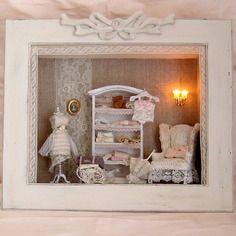 Cadre vitrine miniatures - un havre de paix