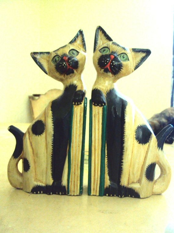 Hand Carved Vintage SIAMESE CAT BOOKENDS