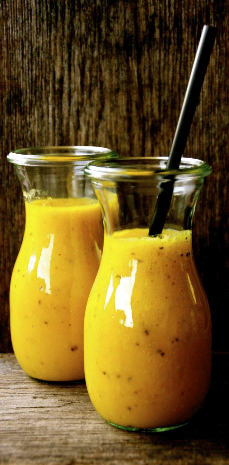 Mango Smoothie with ginger and turmeric