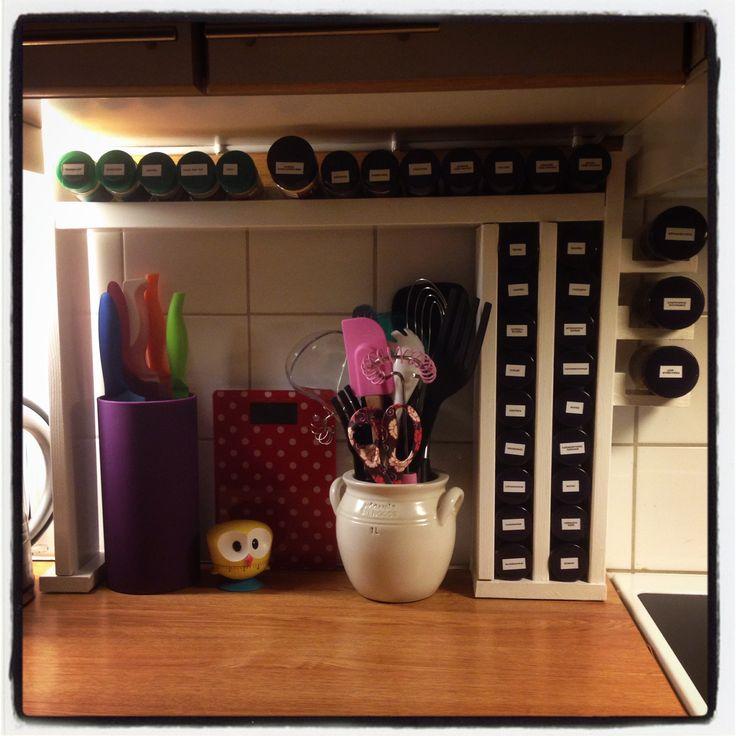 I made my own spice rack / Min egen hemmagjorda kryddhylla..