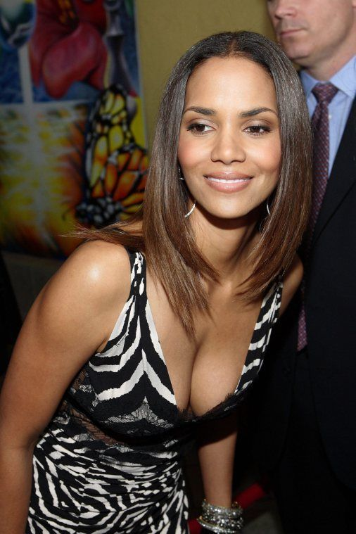 best ideas about Halle berry height on Pinterest Halle berry