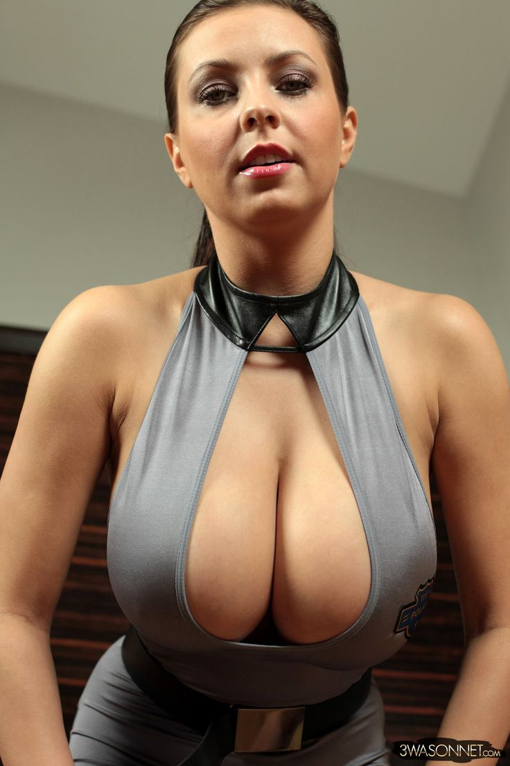 Busty Women In Sexy Tight Shirts 89
