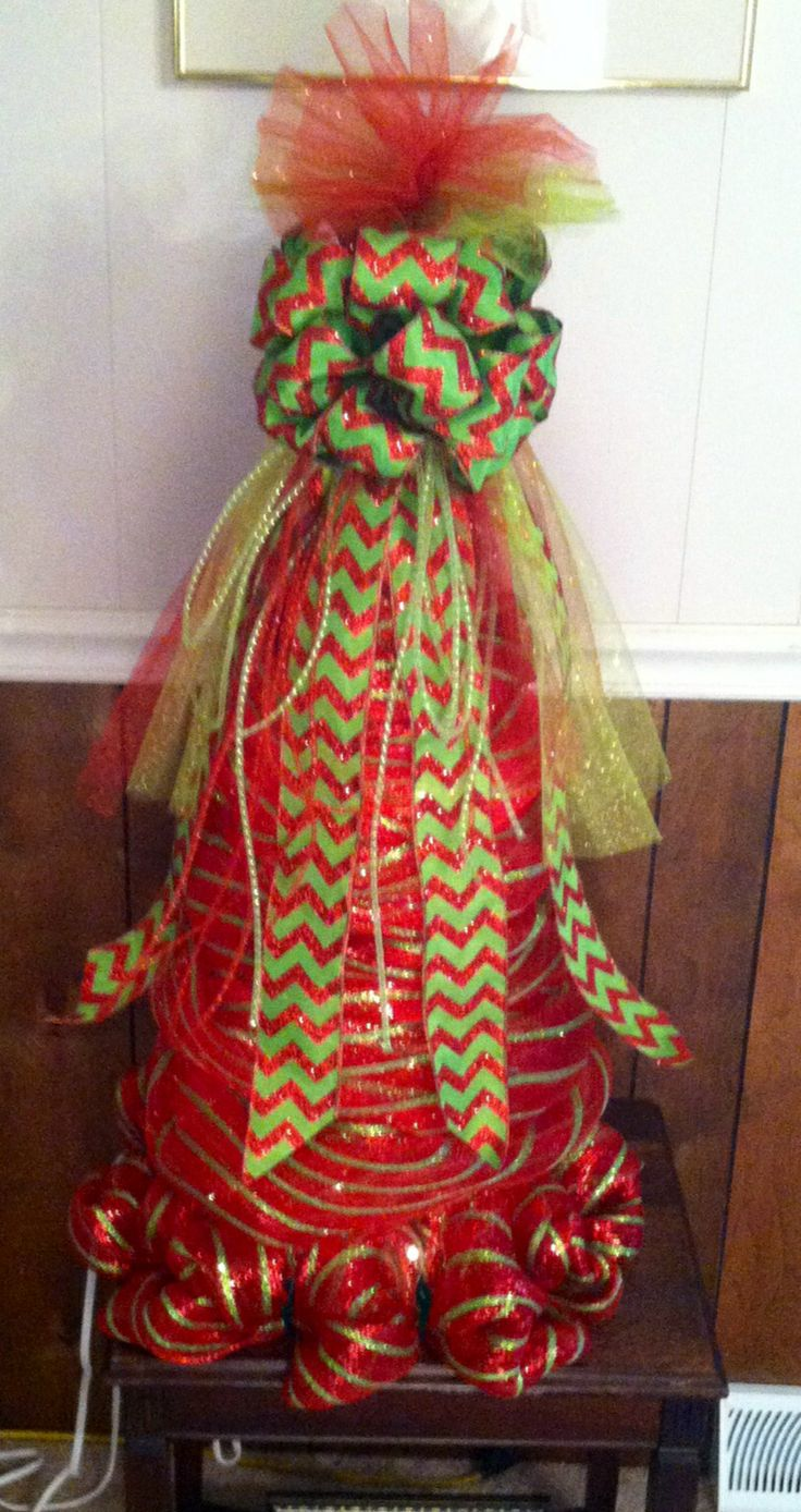 Crafts with deco mesh - Red And Lime Green Tomato Cage Tree Tomato Cagegreen Tomatoeshandmade Craftsdeco Meshchristmas