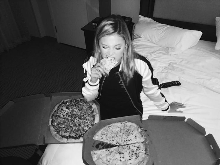 daily olivia holt : Photo