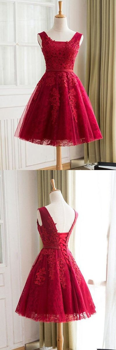 A-Line V-Neck Knee-Length Red Tulle Homecoming Dress With Appliques