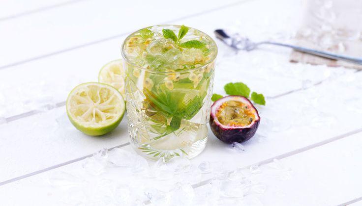 Även om du vill undvika alkohol betyder inte det att du måste välja bort drinkar i sommar. Här är tre goda alkoholfria alternativ.
