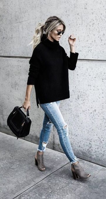 fall street style. knit. skinny jeans. peep toe ankle boots. #skinnyjeans #streetstyle