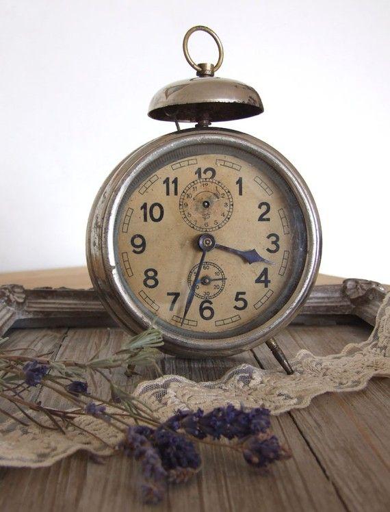 1000 Ideas About Vintage Alarm Clocks On Pinterest