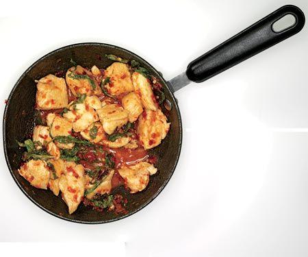 Chili chicken and basil: Women Health, Health Magazine, Easy Meals, Protein Recipe, Chicken Chilis, Lean Muscle, Meals Plans, Chicken Basil, Chilis Chicken