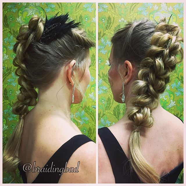 The side view of yesterday's gala braid for the Finnish Television Academy Awards: #3strandpullthroughbraid  ~~~ Eilinen #kultainenvenla kampaus sivulta ja takaa. Hiuslisäke ja höyhenkoriste @glittersuomi sta. ~~~ #suomilove #venlagaala2016 #venlagaala #braidideas #instabraids #letti #lettikampaus #hairdo #hairstyle #flette #festivehair #suomiletit #featuremeisijatytot #featuremejehat #hotbraidsmara #braidingchallenge #featureaccount_ #braidinginspiration #perfecthairpics