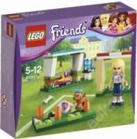 Lego Friends - Stehphanie trénuje fotbal 41011