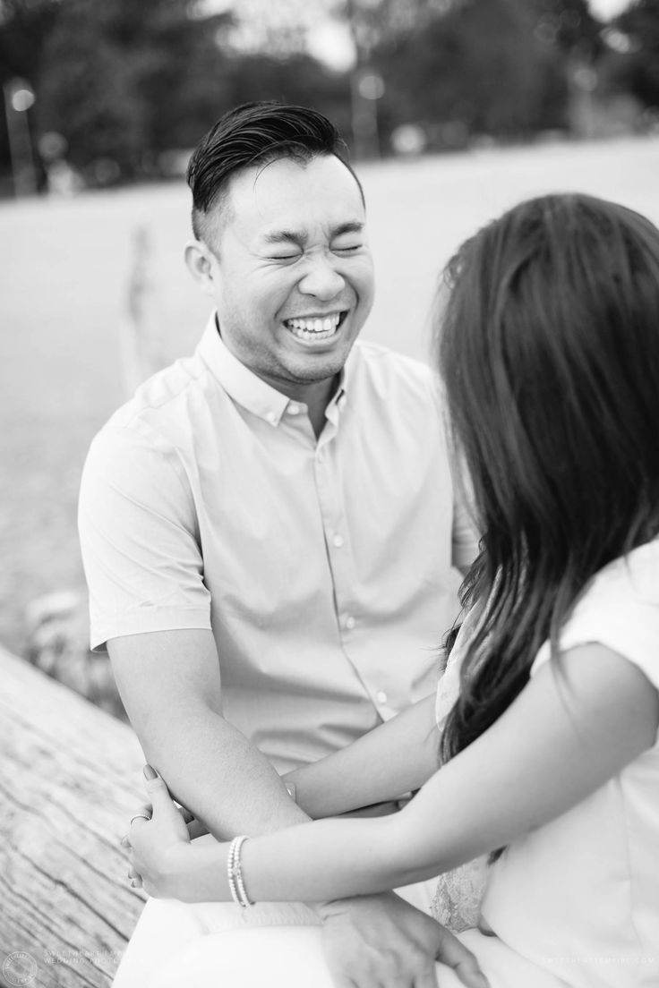 Kew Gardens Engagement - Couple sharing a laugh #sweetheartempirephotography