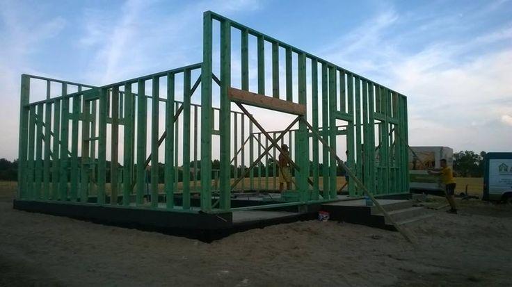 """Firma Szkieletowe Domy z Drewna, Domy Drewniane - PHUP Lezna Leszek Znaniecki buduje nasz dom """"Katania L"""". Z dużym zainteresowaniem śledzimy postępy."""