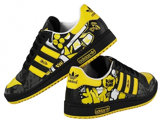 My U I kids should get these · Yellow BlackAdidas ...