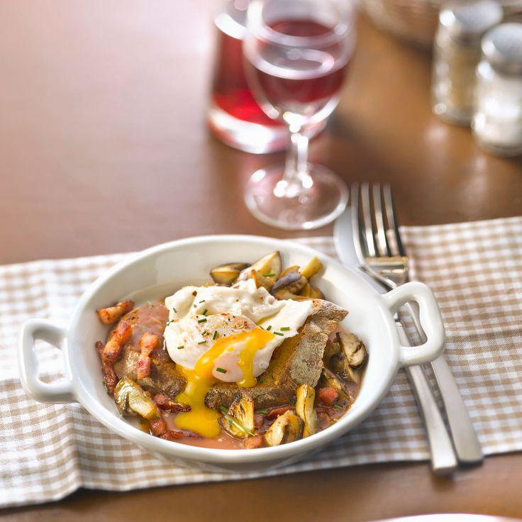 Découvrez la recette Oeufs meurette aux cèpes sur cuisineactuelle.fr.