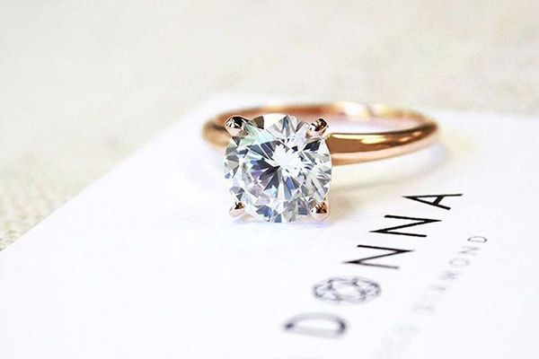 Our Favorite Engagement Rings Under $1,000