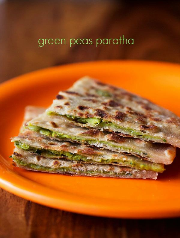green peas paratha recipe - whole wheat flat breads stuffed with a spiced mashed peas filling #peasparatha #northindian #snacks
