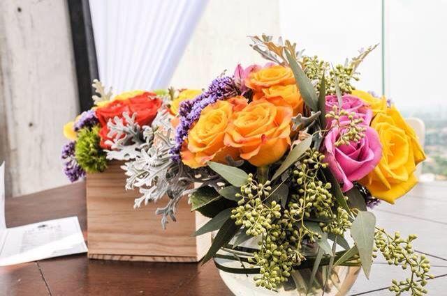 Centro de mesa flores de colores