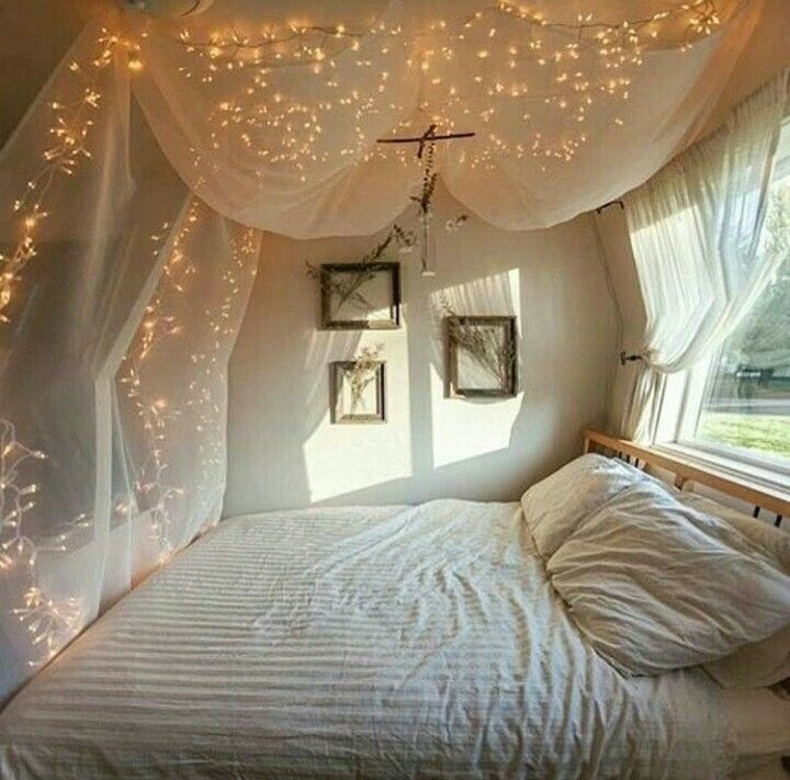 chambre boh me atmosph re romantique en blanc room closet pinterest atmosph re. Black Bedroom Furniture Sets. Home Design Ideas