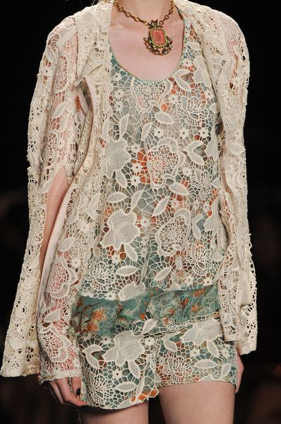 I'm not usually a big fan of lace but this is stunning...Anna Sui Spring 2013 - Details