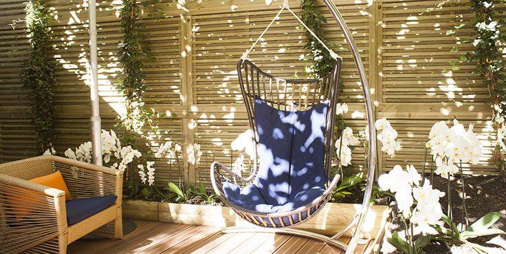 Le jardin secret de l'Hotel 4* Atala '10 rue Chateaubriand 75008 - jardin caché à deux pas des Champs Elysées est ouvert au public pour l'été. Depuis peu, il est possible de déjeuner, de bruncher, ou profiter de leur nombreux cocktails dans ce véritable jardin à l'écart du vacarme des Champs.