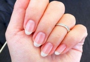 How to Strengthen Weak Fingernails Naturally