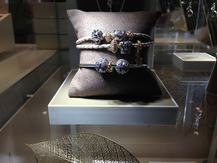 #pandora #pandorabarrie #barrie #georgianmall #shop #bracelet #pendant #jewelry #custom #charms