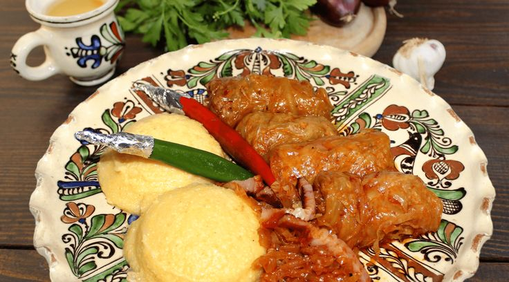 Romanian food! Poftă bună! #romanianfood #polenta #sarmale #Romania #restaurantvatra