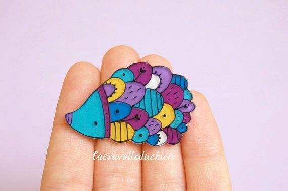 Would LOVE to get this! hedgehog brooch woodland animal jewelry by lacravatteduchien, €12.00