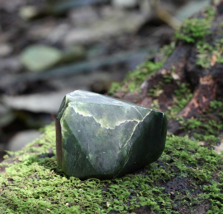 My top 5 crystals for dealing with Heartache - Spirit Stone