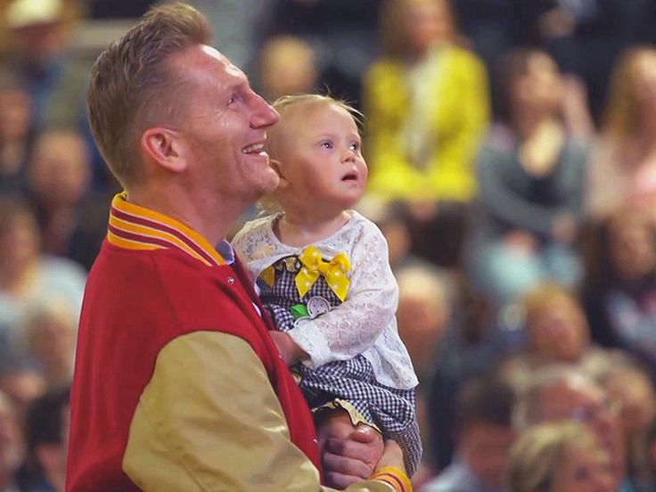 Joey Feek Memorial: Rory Feek Shares Video from Late Wife's Service
