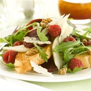Recipe: Beetroot, Fennel & Raspberry Salad with Raspberry & Orange Dressing Bietjes, venkel en frambozen salade met frambozen & sinaasappel dressing