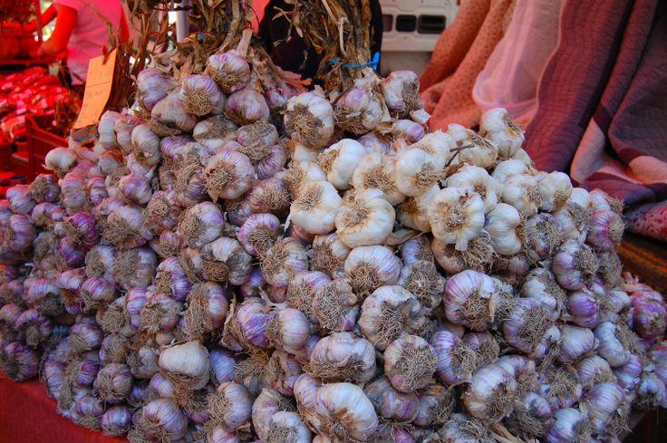 Ail - Sur le marché - Drôme Provençale