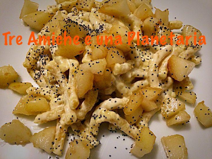 Passatelli asciutti con mascarpone, pere e semi di papavero